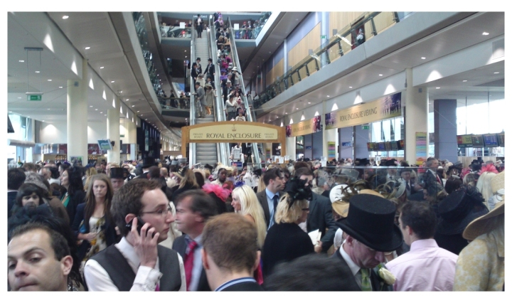 ascot-royal-crowds-2011