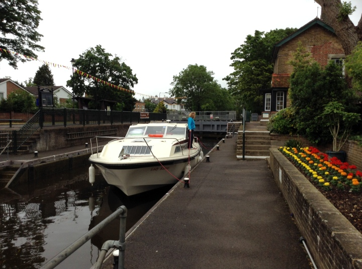 boulters lock crew at work