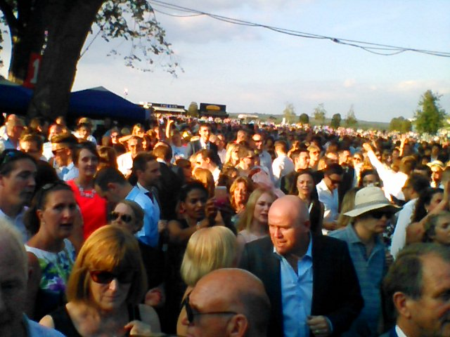 Rick Astley Ascot crowds to the rear