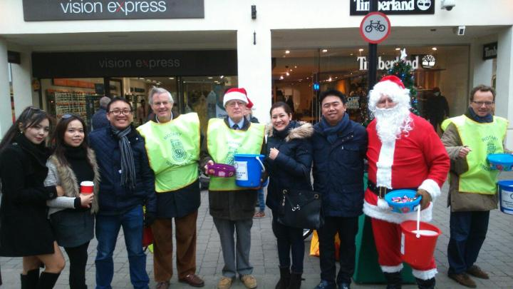 Santa gets some help from Rotarians and people from Thailand