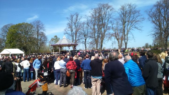 crowds in alexandra gardens #queenat90