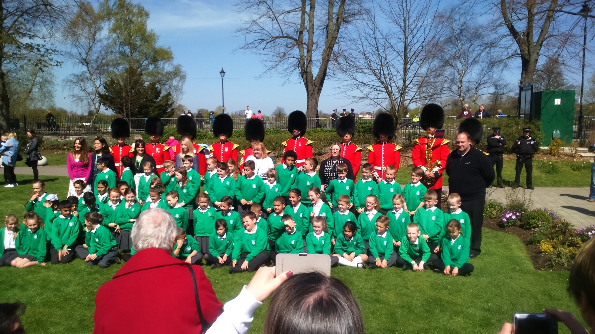 dedworth green first school irish guards band #queenat90