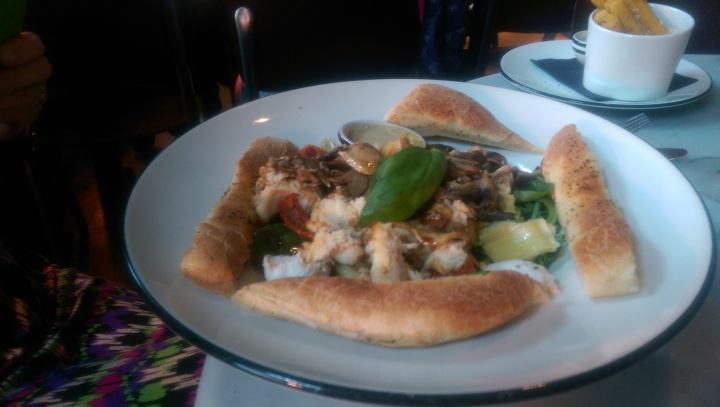 Pizza Express Windsor bosco salad with chicken