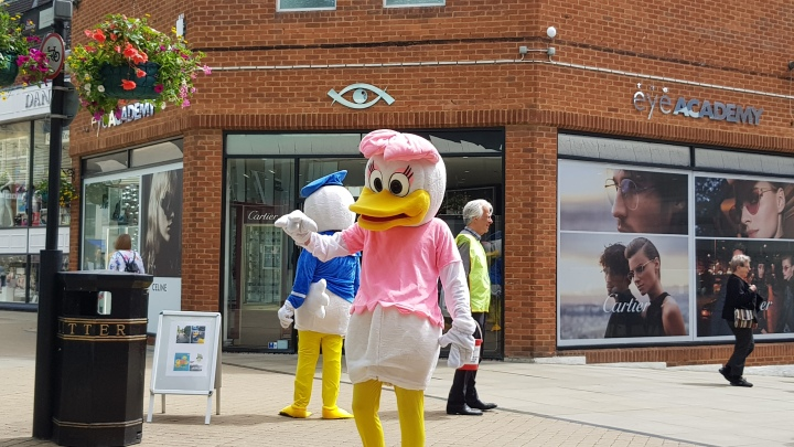 daisy duck windsor