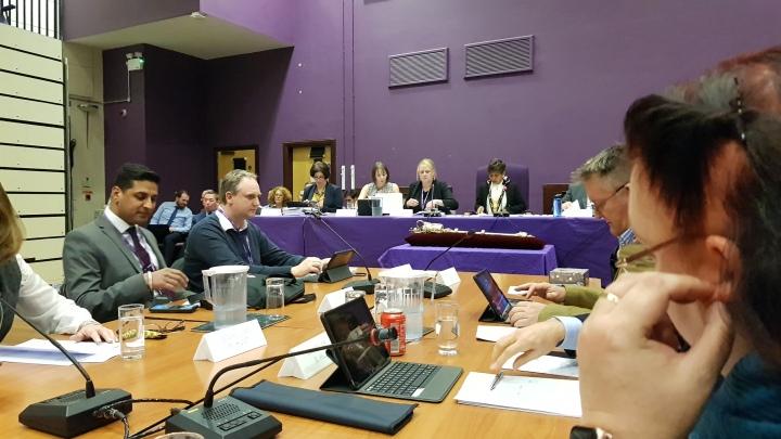 extraordinary council meeting october mayor