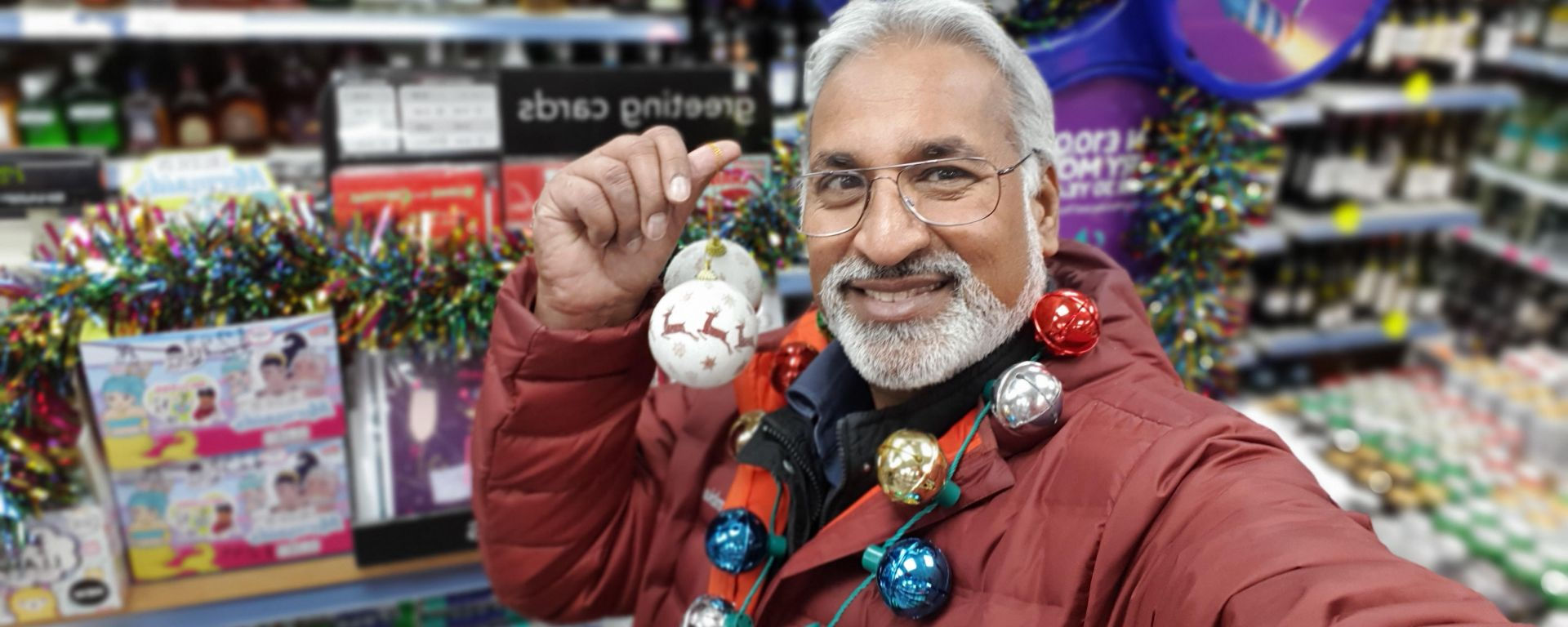 daljit dedworth christmas baubles