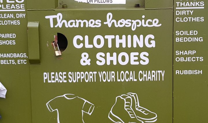 thames hospice clothes bin