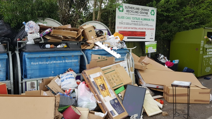fly tipping sutherland grange