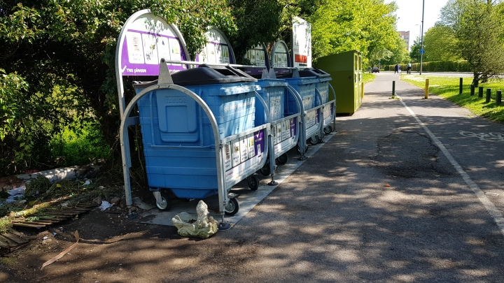 clean bins at sutherland grange