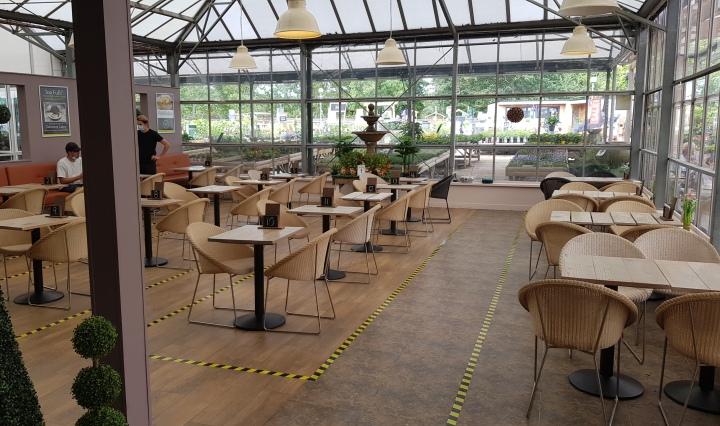 The Gardeners Retreat Restaurant tables
