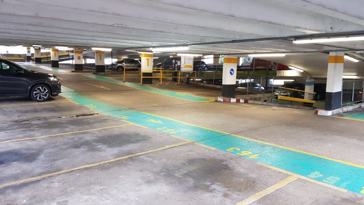 victoria car park xmas petition