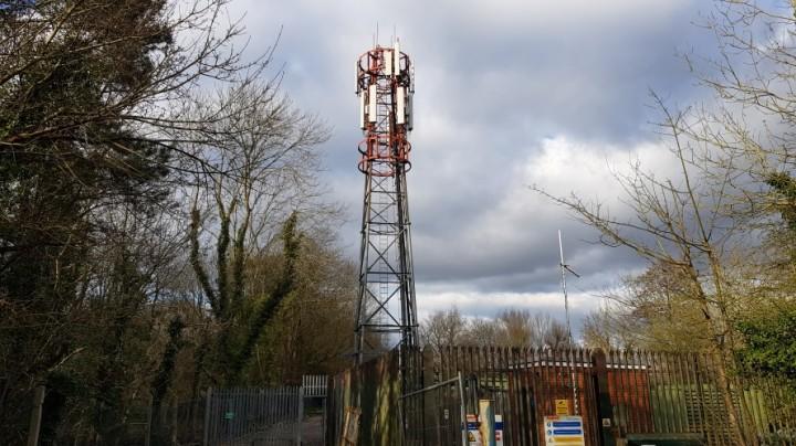 oakley green phone mast pic