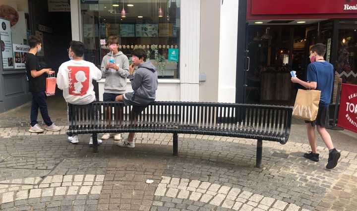Peascod Street benches