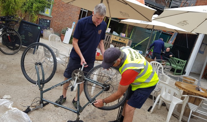 windsor cycle hub willy and john